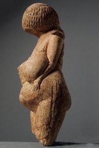 Venere di Kostenki, 23,000-21,000 a.C. Appartenente alla collezione dell'Hermitage, St. Petersburg