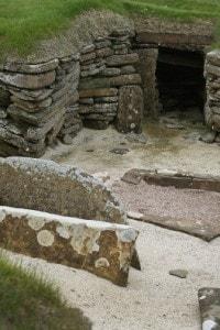 Skara Brae: villaggio neolitico in pietra situato vicino alla baia di Skaill, Scozia