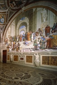 La Stanza della Segnatrua affrescata da Raffaello nei Musei Vaticani