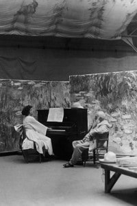 Claude Monet nel suo studio a Giverny