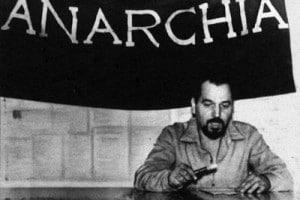 Giuseppe Pinelli. Il 15 dicembre 1969 l'anarchico muore misteriosamente durante un interrogatorio nella questura di Milano.