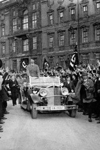 Repubblica di Weimar - Adolf Hitler