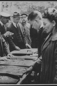 Commercianti di denaro a Berlino durante l'era della Repubblica di Weimar