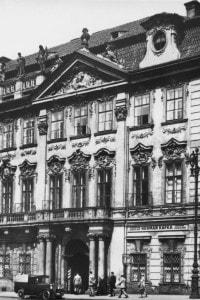 Il Palazzo Kinsky a Praga: qui Kafka frequentò il gymnasium e suo padre gestiva un negozio