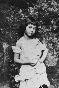 """Alice Liddell, fonte d'ispirazione per il personaggio immaginario di Lewis Carroll Alice in """"Alice nel Paese delle Meraviglie"""""""