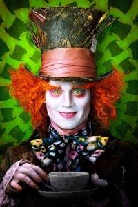 """Johnny Depp nel ruolo del Cappellaio Matto. Film """"Alice in Wonderland"""" diretto da Tim Burton"""