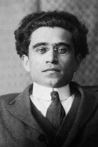Antonio Gramsci, 1930: teorico e politico marxista italiano, membro dell'Internazionale comunista