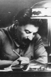 Il leader sovietico Iosif Stalin nel suo studio al Cremlino (Mosca)