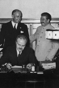 Firma del Trattato di non aggressione (patto Molotov-Ribbentrop), 23 agosto 1939