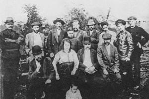Iosif Stalin (1879-1953) con un gruppo di rivoluzionari bolscevichi a Turukhansk, Russia, 1915