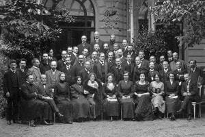 Congresso internazionale di psicoanalisi, 1911. Freud e Jung al centro del gruppo