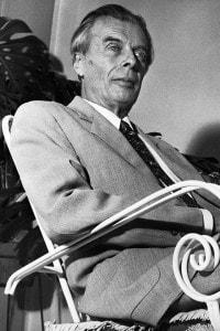 Aldous Huxley a casa di sua cognata durante un soggiorno in Italia. Torino, 17 settembre 1958