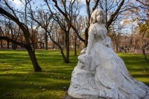 Statua di George Sand di François Sicard nei Giardini del Lussemburgo, Parigi
