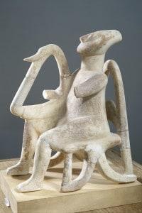 Statua in marmo del suonatore di lira. Museo archeologico di Atene