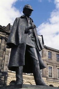 Statua di Sherlock Holmes a Edimburgo