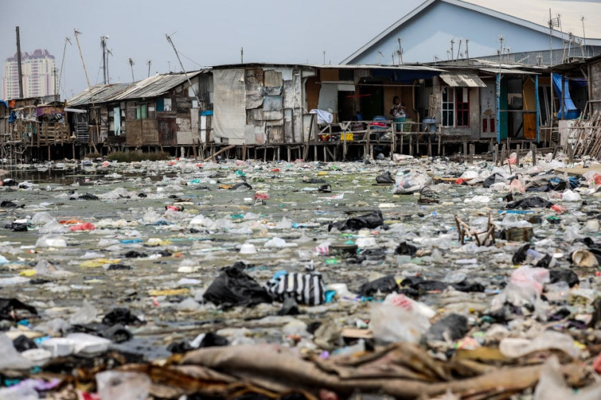 Povertà estrema e rifiuti a Jakarta
