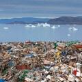 Spazzatura in mezzo agli iceberg in Groenlandia