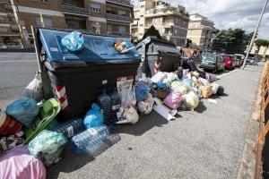 Scuole chiuse per rifiuti: ecco perché