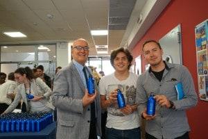 Il presidente della JCU Pavoncello con due studenti del club ambientale Grassroots