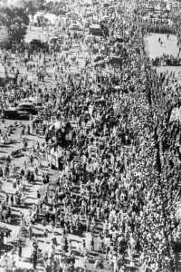 Partecipazione popolare immensa al funerale di Gandhi