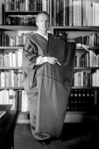 Paul Éluard (1895-1952) nel 1947