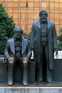 Monumento a Karl Marx e Friedrich Engels, Berlino