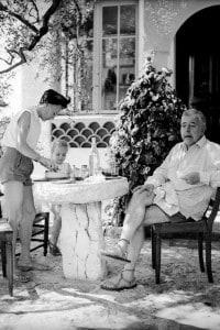 Jacques Prevert con la sua famiglia in vacanza a San Paolo di Venza nell'estate 1951