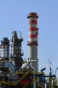 Raffineria di Sannazzaro de' Burgondi della multinazionale italiana di petrolio e gas ENI. Foto del 29 marzo 2019
