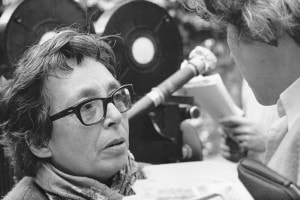 "Marguerite Duras sul set del suo film ""Detruire, dit-elle"", 1969"