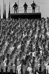 """Raduno di Norimberga, 1936: membri della """"Lega delle Giovani Tedesche"""""""