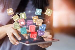 vantaggi e svantaggi di internet: tema argomentativo