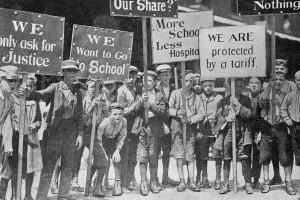 Giovani lavoratori tessili in sciopero a Filadelfia