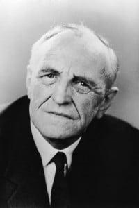 Il pediatra e psicoanalista Donald Woods Winnicott (1896-1971), 1965
