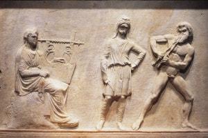 Rilievo in marmo che raffigura la sfida musicale tra Apollo e Marsia. Atene, Museo Archeologico Nazionale, IV secolo a.C.