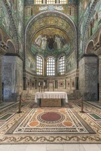 Interno della Basilica di San Vitale a Ravenna, costruita nel VI secolo