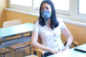 La ministra Lucia Azzolina in visita al suo liceo