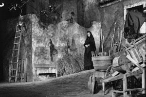 Anna Magnani in una scena de La lupa di Giovanni Verga