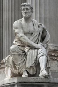 Statua di Tacito situata davanti al Parlamento di Vienna, Austria