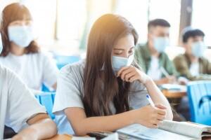 Che ruolo ha la scuola nel contagio del Covid? Uno studio ne parla