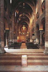 Navata centrale del Duomo di Modena