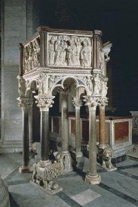 Pulpito del battistero di Pisa, capolavoro di Nicola Pisano