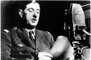 Charles de Gaulle trasmette da Londra il suo appello alla resistenza all'occupazione tedesca, giugno 1940