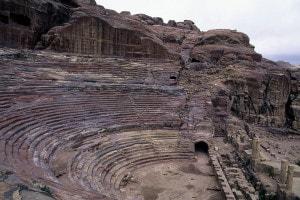 Petra, teatro romano scavato nella roccia