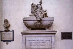 Tomba di Niccolò Machiavelli. Basilica di Santa Croce, Firenze