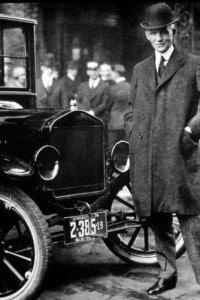 Henry Ford con il suo modello T