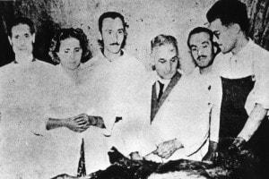 Strage delle Fosse Ardeatine. Il professor Attilio Ascarelli procede all'analisi autoptica sui corpi delle vittime