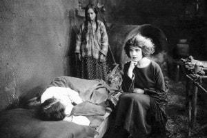 Tina Modotti nel ruolo di Maria de la Guardia nel film The tiger's coat, 1920