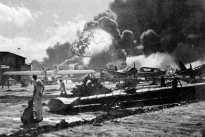 Attacco di Pearl Harbor: esplosione alla Naval Air Station