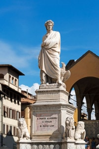 Monumento a Dante Alighieri in Piazza Santa Croce a Firenze