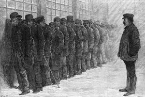 Uomini disoccupati fanno la fila per un pasto all'ospizio dei poveri di New York durante il panico del 1873